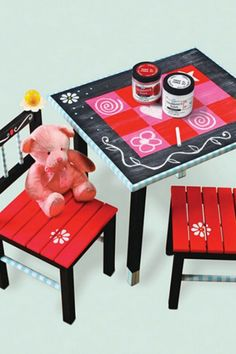 Let the kids get crafty by splashing some chalkboard paint onto a kids table and chairs set! Kids Table And Chairs, Kid Table, Chalkboard Table, Chalkboard Paint, Chalk Paint, Wood Projects, Craft Projects, Craft Ideas, Magnetic Paint
