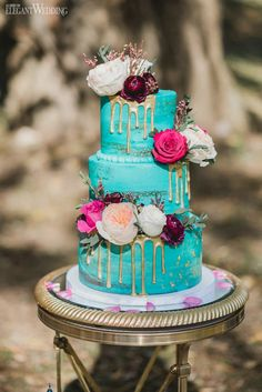 Wedding cakes can go from the easiest to the most complicated decors; each has i… – Beautiful Wedding Cake Designs Floral Wedding Cakes, Themed Wedding Cakes, Fall Wedding Cakes, Wedding Cake Rustic, Elegant Wedding Cakes, Beautiful Wedding Cakes, Wedding Cake Designs, Wedding Cupcakes, Wedding Cake Toppers
