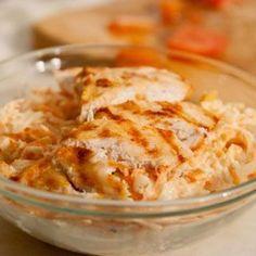 Salata de telina si morcov cu pui este o salata foarte gustoasa, dar si foarte sanatoasa. Iata cum sa o prepari! Good Food, Yummy Food, Romanian Food, Healthy Salad Recipes, Baking Soda, Macaroni And Cheese, Catering, Healthy Eating, Healthy Food