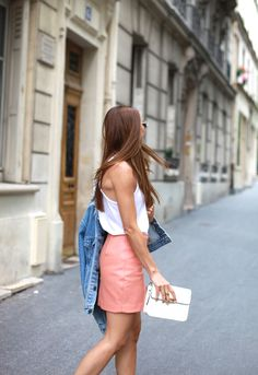 vogue-ordie:  57th-and-5th:  all street style  ♥