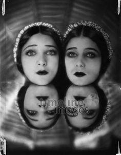 Twins, Germany, 1929  Atelier Manasse/Timeline Images