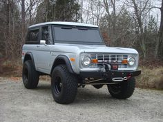 "NICK'S TRIX ::: Early Bronco Restorations - Custom Fabrication - ""Big Easy"" Project"