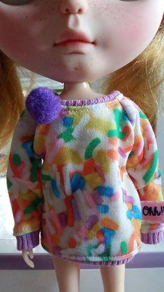 Mira este artículo en mi tienda de Etsy: https://www.etsy.com/listing/267614086/sweater-for-blythe-and-similar-dolls