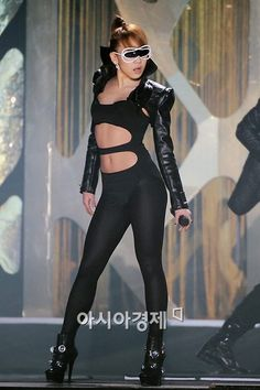 CL the baddest Female! But I would never wear haha Just had to post