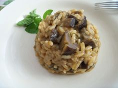 Risotto with eggplant (with tomato and onion) Vegan Gluten Free, Vegan Vegetarian, Tomato Vegetable, Spicy Chili, Risotto, Food Design, Food Pictures, Food Styling, Eggplant