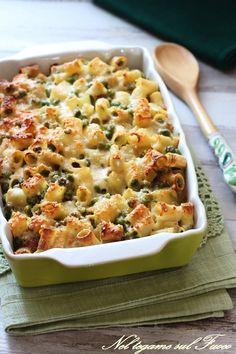 PASTA E PISELLI? Provatela gratinata al forno e arricchita con qualche ingrediente gustoso! #pasta #piselli