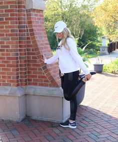 #fashionblog #blog #lifestyleblog #fashion #lifestyle #style #styleblog #leggings #leather #leatherleggings #90degreesreflex #nike #womens #blackandwhite #b&w #hat #baseballhat #nikehat #workoutgear #gymgear #blonge #gymoutfit