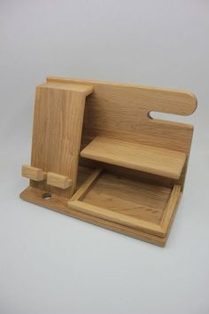 Used Woodworking Machinery Wood Projects, Projects To Try, Wooden Organizer, Docking Station, Valentines Gifts For Boyfriend, Wood Gifts, Woodworking Plans, Woodworking Machinery, Planer