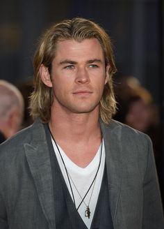 Mens long hairstyles: Iconic Star Looks, Chris Hemsworth - MrMinds