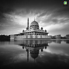 'The Majesty', Putra Mosque, Malaysia