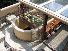 Frank Lloyd Wright's Falling Water - Terrace reconstruction