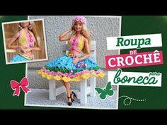 Crochet top, skirt and hat for dolls (portuguese/spanish) Crochet Doll Pattern, Crochet Dolls, Crochet Clothes, Crochet Top, Crochet Videos, Crochet Tutorials, Doll Videos, Crochet Needles, Barbie Dress