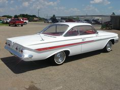 History & Popular Models of Chevrolet Cars – Best Worst Car Insurance 1961 Chevy Impala, Chevrolet Impala, Vintage Cars, Antique Cars, Vintage Ideas, Vintage Designs, Classic Trucks, Classic Cars, Convertible