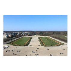 LE DOMAINE NATIONAL DE SAINT-GERMAIN-EN-LAYE : Découvrez un « Jardin remarquable » de 70 hectares à moins d'une demi-heure de Paris. Le Domaine est ouvert toute l'année au public, d'environ 8 heures du matin au coucher du soleil.  Il est labellisé « Jardin remarquable ». Ce label national a été mis en place en 2004 par le Ministère de la Culture et de la Communication pour indiquer au grand public les jardins dont le dessin, les plantes et l'entretien sont d'un niveau remarquable.