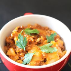 Easy Cheesy One Pot Lasgana Recipe Main Dishes with onions, oil, garlic, ginger, minced beef, crushed red pepper flakes, salt, red chili powder, dried oregano, dried basil, pasta sauce, water, chicken stock cubes, lasagna sheets, shredded mozzarella cheese