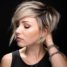 10 Latest Pixie Haircut Designs for Women – Super-stylish Makeovers Take a look at these trendy makeovers, showcasing the latest pixie haircut designs for women of all ages! I challenge anyone to browse through . Short Hair Styles For Round Faces, Short Hair With Layers, Hairstyles For Round Faces, Short Hairstyles For Women, Long Hair Styles, Long Faces, Pixie Haircut For Round Faces, Summer Hair Cuts Short, Color On Short Hair