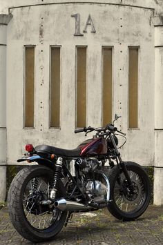 Honda CB100... less is more