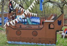 THIS is the pirate ship I want to make. With the cool flags and banners.