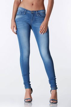 Jeans with a fit like no other! These denim skinny jeans will be a staple in your closet forsure! Dress down with a cute basic tee or dress up with a sophisticated blouse #trendy