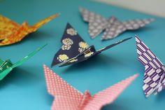 papillons origami 03 http://www.mercipourlechocolat.fr/2010/01/27/papillon-origami-papier-japonais/