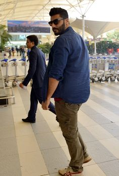 Arjun Kapoor spotted at the Mumbai airport. #Bollywood #Fashion #Style #Handsome