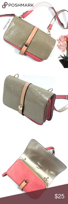 """NICE Axel Accessories Ladies Shoulder Bag Pattern This Nice Medium Size  handbag has a lot of room with 3 separate compartments each enclosed with gold color zippers. Adjustable Shoulder Straps which can be taken off with contrasting pink and silver colors.  Patterned design throughout.  You can carry it any time of the day, either at the office or at your city walks.  Nice purse clean inside and out..    12"""" x 7"""" x 5   Synthetic leather, patterned Axel Bags Shoulder Bags"""