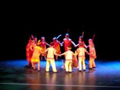 Les Indiens ~ Spectacle 3° maternelle - YouTube