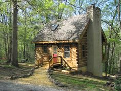 2 Bedroom Cabin Rental in Luray, Virginia, USA - Falling Leaf Cabin - Secluded With Mountain View ...SIGN ME UP!