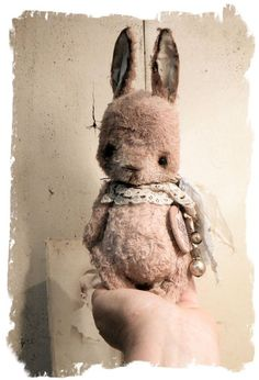 Antique Style * New Design Charming PINK RABBIT vintage FaT Bunny * Whendi Bears