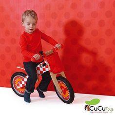 Bicicletas sin pedales hay muchas pero tan chulas y de esta calidad sólo hay una. http://ift.tt/2h4Zy4m #scratch #cucutoys #juguetes #niños #navidad #bicicleta #bici #madera