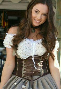 German Girls, German Women, Dirndl Dress, Dress Up, Beer Girl, Hot Outfits, Traditional Dresses, Beauty Women, Teenage Outfits