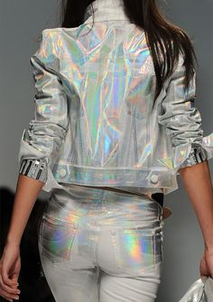 """Holographic Fashion, it's back! Yes, it's back as in, just like the I'm completely obsessed with this trend. Some people say """"holographic print is tacky"""" and to. Fashion Week, Look Fashion, Street Fashion, High Fashion, Womens Fashion, Fashion Design, Fashion Trends, Milan Fashion, Fashion Clothes"""