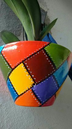 Flower Pot Art, Flower Pot Crafts, Vase Crafts, Clay Pot Crafts, Painted Plant Pots, Painted Flower Pots, Art N Craft, Diy Art, Bottle Art