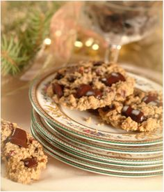 I think this looks a lot like my grandma's oatmeal cookie recipe.  I usually add Nestle milk chocolate chips and raisins.  Yummy.