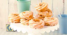 Einfach lecker die selbstgemachten Spritzkuchen. Sie brauchen weder viel Zeit, noch besonders gute Backfertigkeiten, sondern lediglich einen feinen Ge... Tortellini, Cakes And More, Cereal, Muffins, Cupcakes, Tasty, Sweets, Cookies, Baking