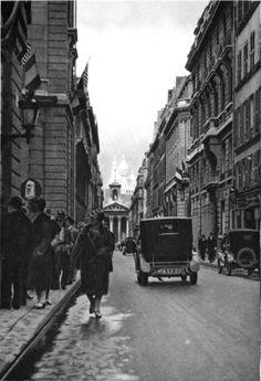Rue Lafitte. Sacré-Cœur in the background, 1927