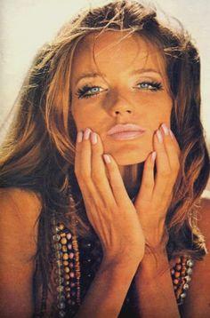 Veruschka,1970's  eye make-up and fake eyelashes <3