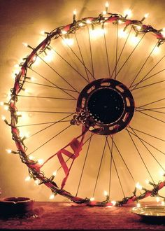 Christmas Wreaths Made With Bicycle Bits Bicycle Rims, Bicycle Art, Bicycle Design, Bicycle Wheel Decor, Bike Wheels, Bicycle Basket, Christmas Wreaths To Make, Christmas Love, How To Make Wreaths