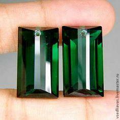 пара зеленых аметистов (лаб) 30.05 карат. Очень красивые темно-зеленые аметисты с необычной огранкой .    Постоянным покупателям скидка - 5%.  При покупке свыше 10.000 р. скидка -10%.