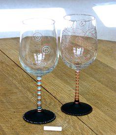 chalkboard wine glasses from chic chalk designs