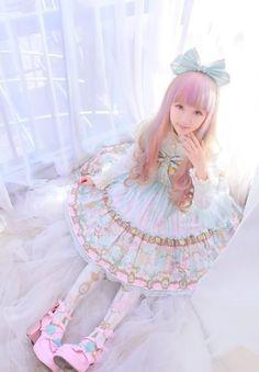 Sweet Lolita - Kiyohari so cute in her little blue dress Harajuku Fashion, Japan Fashion, Kawaii Fashion, Lolita Fashion, Cute Fashion, Harajuku Girls, Emo Fashion, Gothic Fashion, Girl Fashion