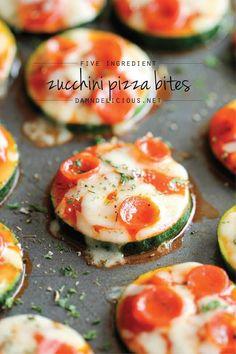 Pizzetas en sólo 20 minutos con sólo 5 ingredientes!     INGREDIENTES   1 cucharada de aceite de oliva (o el que uses)  3 calabacin...
