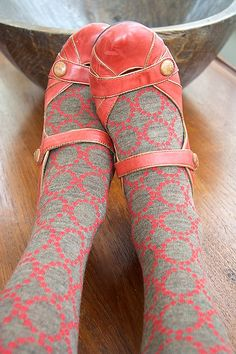 #red #brown #shoes #socks #fall #autumn  sooo cute!