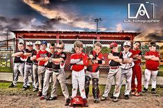 This article has tips telling you why baseball is fun for many people. Read this article to learn more about the fun game of baseball. To improve your batting, think about hitting the baseball at the fence rather than over it. Baseball Team Pictures, Softball Photos, Sports Pictures, Senior Pictures, Sports Team Photography, Baseball Photography, Photography Ideas, Little League Baseball, Baseball Mom