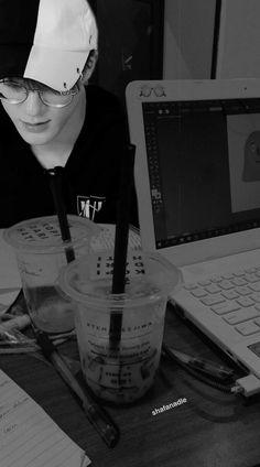 Nct Album, Nct 127 Johnny, Nct Dream Jaemin, Boy Photography Poses, Huang Renjun, Latest Wallpapers, Jeno Nct, Jaehyun Nct, K Idol