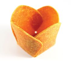 """edible project by diane leclair bisson  """"an inquiry into consumable receptacles that do not need   to become waste"""""""