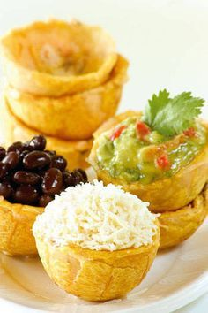 16 Delicious Plantain Recipes That Will Make Your Life Better Haitian Food Recipes, Cuban Recipes, Plantain Recipes, Banana Recipes, Comida Latina, Aperitivos Finger Food, Tapas, Boricua Recipes, Venezuelan Food