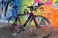 matte-black-and-pink-triathlon-bikes-jack-kane_0