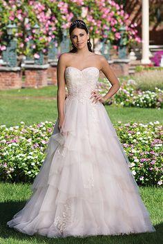 Op en top romantiek is wat deze jurk van #Sincerity uitstraalt.