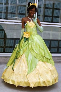 Princess Tiana cosplay from The Princess and The Frog